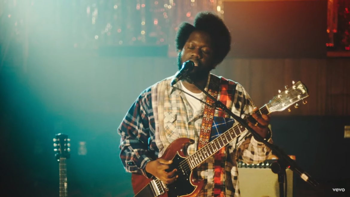 Watch Michael Kiwanuka bursting rendition of 'Solid Ground' at London's V&A