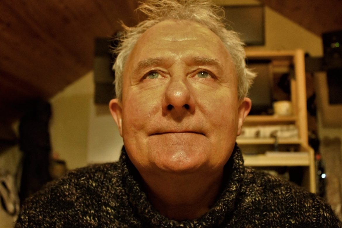 Noel O'Reilly Announces Upcoming Album, 'Here We Sit'